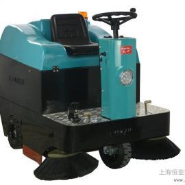 清扫车驾驶式吸尘砂石车垃圾处理车可加喷水装置扫地机