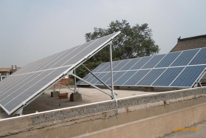 """洛阳地区安装太阳能光伏电站我们全力支持 光伏电站标准化安装指南 本手册为中首新能源分布式光伏发电系统标准化施工安装指南。 手册的编制过程参照小区实施竣工的""""屋顶分布式光伏发电系统""""真实案例。农民屋顶光伏发电项目,采用自发自用、余电上网的发电方式。整个项目实施安装过程中应用了合格安装商管理体系,并把质量管理方法推广到安装商群体,同时通过产业链紧密合作,形成了高效高质的工程设计实施安装模式,为分布式光伏发电系统的标准化施工安装模式建立有一定的示范作用和借鉴意义。 本手册由中首新能源负"""