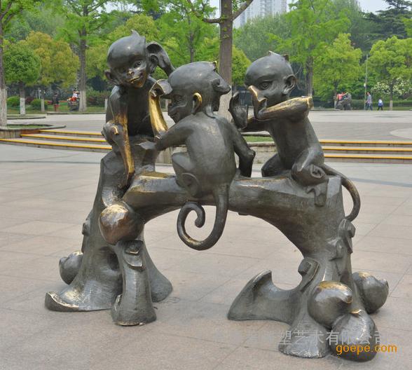广东原著雕塑专业制作雕塑30年,是集雕塑设计、制作、加工为一体的艺术殿堂,以满意的质量立足于雕塑行业得到了广大顾客的认可。作为一家专业性的景观雕塑设计制作公司,具有全国城雕委核发的城市雕塑创作设计资格证书及施工资质,公司主要从事城市建筑雕塑、房地产雕塑、寺庙佛像、酒店学校雕塑、公园主题雕塑、不锈钢雕塑,广东铸铜雕塑、人文景观、环境艺术、园林雕塑、喷泉雕塑、城市雕塑、佛像雕塑、雕塑设计和雕塑制作。 产品名称:十二生肖创意雕塑如意狗 材质:铸铜 材料:按照客户需求提供 尺寸:可按照要求定做网上报价皆为参考价