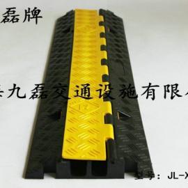 地面橡胶线槽板,车间橡胶线槽板,路面橡胶线槽板,道路橡胶线槽板