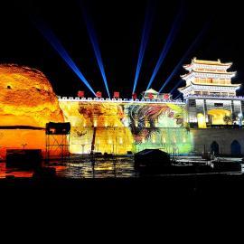 X1深圳户外广告投影机_巨幅建筑投影广告机_3D全息工程投影机