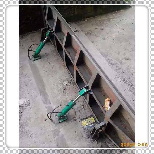 湖北液压钢坝翻版闸门安装调试成功
