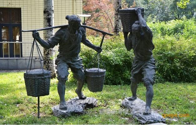 东莞原著雕塑制作的有关农业主题的雕塑很多,有农民犁地耕种雕塑