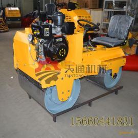 小型座驾式压路机操作舒适柴油振动压实机专业压实沟槽回填土