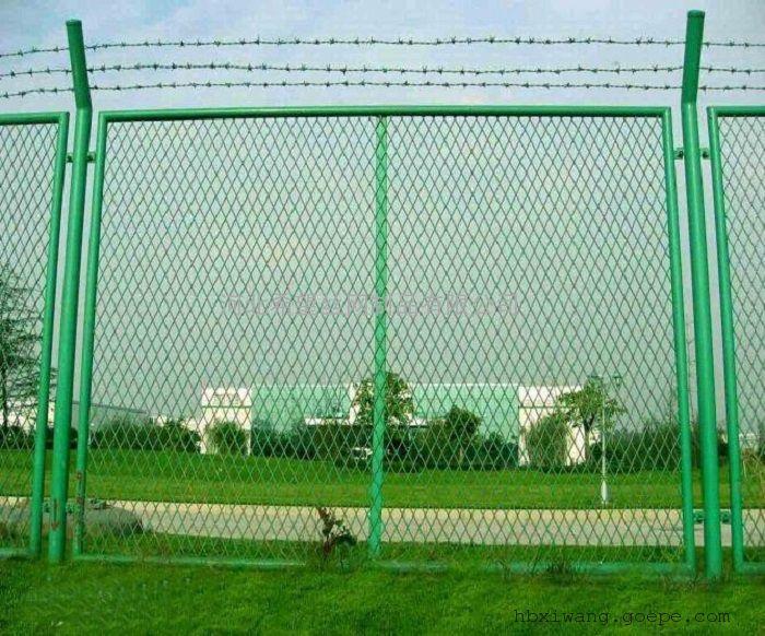 菱形孔钢板网护栏_菱形孔带框钢板网护栏_浸塑菱形孔钢板网护栏