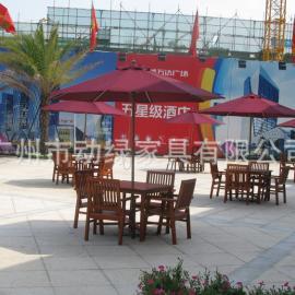 休闲实木桌椅,适合商业广场摆放,户外家具