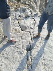 水下岩石清除劈裂棒防水设备