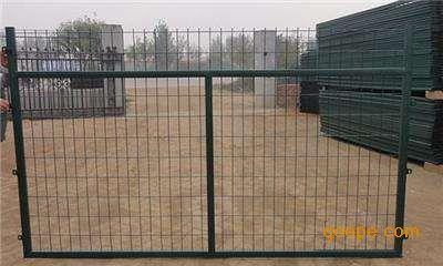 高铁桥下防护栅栏、铁路护栏网