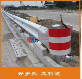 公路波形梁钢护栏 波形防撞护栏 龙桥护栏现货直销