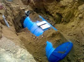 玻璃钢化粪池具有传统隔油池,油水分离器,沉淀池产品性能特点