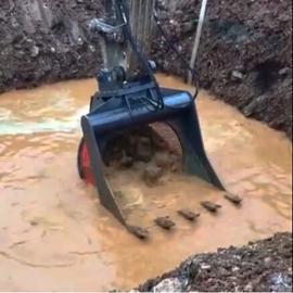 挖掘�C200煤炭洗�x�C�L筒洗煤斗