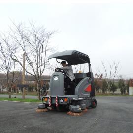 闵行工业园区卫生扫地机高美大型驾驶式清扫车全自动洒水吸尘车