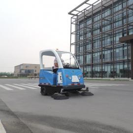 搅拌站清扫车道路扫地车石子都能扫煤场水泥厂扫灰机带洒水的