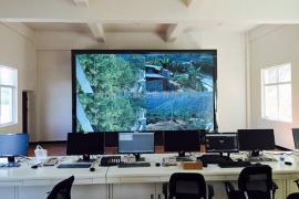 低亮高刷全彩室内p2LED显示屏生产厂家造价
