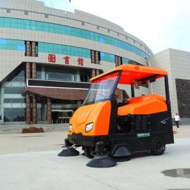 校园学院用大型清扫车洁乐美KM-V6树叶灰尘石子扫路机洒水车