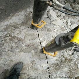 采石场开采石头用劈裂机