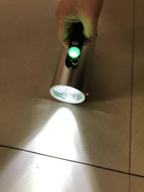 YJ1201-3x3W固�B手提式防爆��光工作��