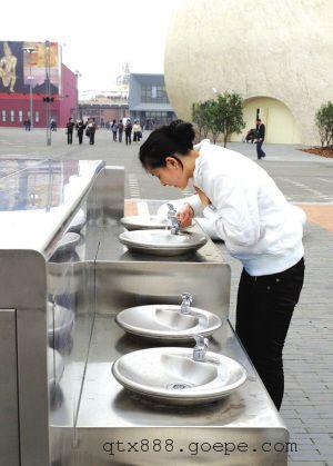 RO纯水系统户外饮水台