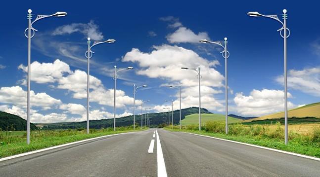 路灯是城市照明的重要组成部分,传统的路灯常采用高压钠灯,高压钠灯整体上光效低的缺点造成了巨大浪费。当前,全球的环境在日益恶化,各国都在发展清洁能源。而随着国民经济的高速增长,我国能源供需矛盾日渐突出,电力供应开始存在着严重短缺的局面,节能是目前所急需解决的问题。因此,开发新型高效、节能、寿命长、显色指数高、环保的LED路灯对城市照明节能具有十分重要的意义。 道路照明与人们生产生活密切相关,随着我国城市化进程的加快,LED路灯以功率消耗低、驱动特性好、响应速度快、抗震能力高、使用寿命长、绿色环保等优势逐渐走