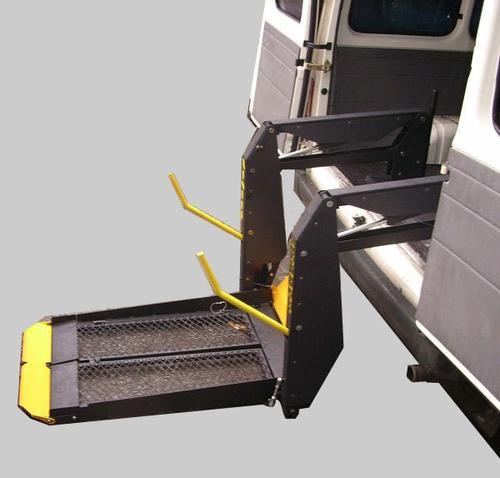 移动式液压登车桥,高空作业台,四轮移动式,固定剪叉式液压升降平台等图片