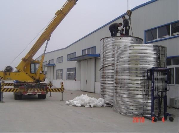 太阳能热水器工程|山东不锈钢水箱_不锈钢水箱吊装