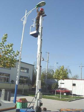 液压升降机 >> 单柱铝合金升降机   单柱铝合金升降机 升降平台产品图片
