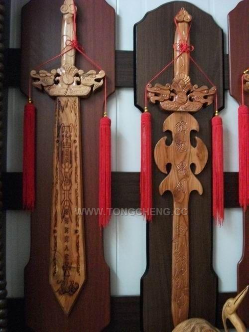 肥城桃木剑雕刻机|高效率双头桃木工艺品雕刻机