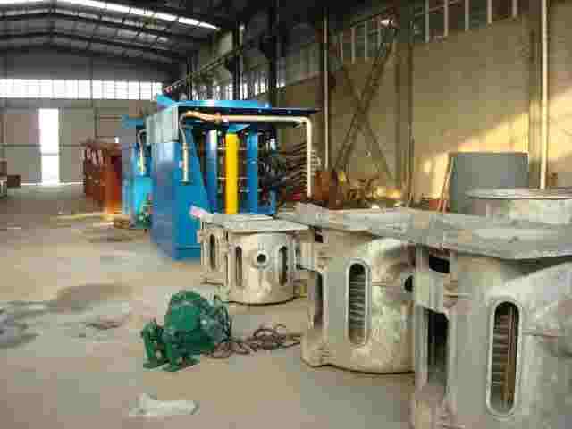 """5吨铝壳中频炉技术特点:一拖二中频炉采用了""""串联逆变式晶闸管中频"""