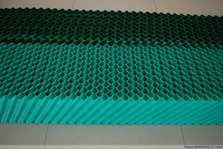 金日冷却塔填料颜色:绿色,黑色,透明色,材质有:pvc,pp,金日冷却塔填料