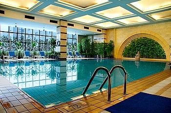 室内儿童泳池图片