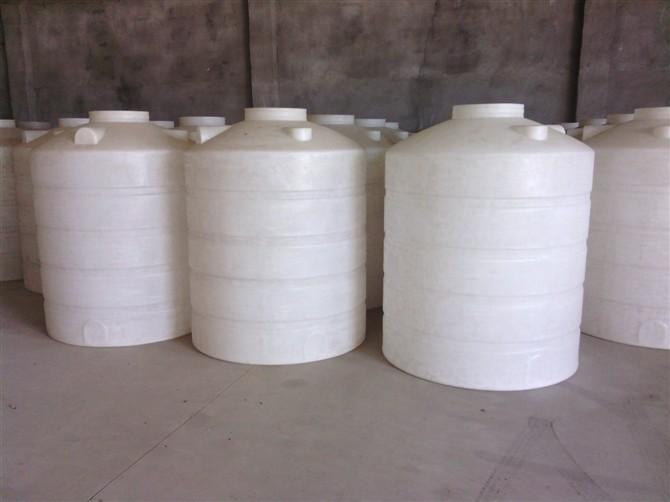 可以装2吨水吨塑料储罐