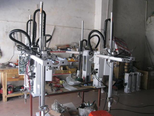 代客组装机械手,机械手气缸,机械手抱具,机械手吸盘,机械手夹具,机械