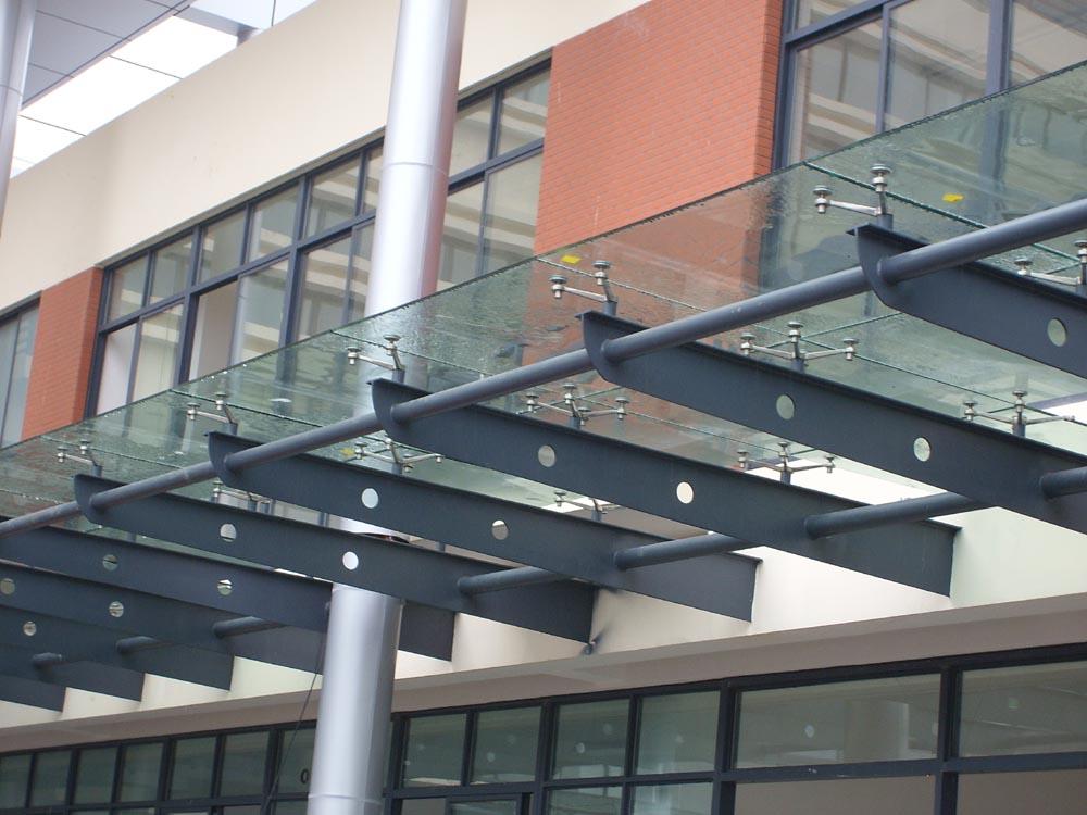 建筑钢材 苏州华良钢结构建筑安装工程有限公司 产品展示 钢结构雨棚