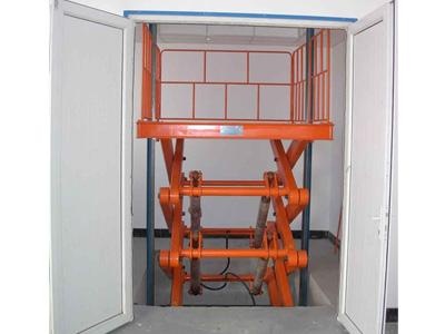 液压升降货梯图片