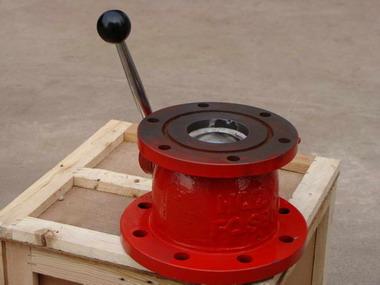 生产的,专门为消防炮配套使用的球阀,其结构特点为:连接法兰为dn100