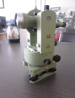 南京光学经纬仪j6e是1002厂