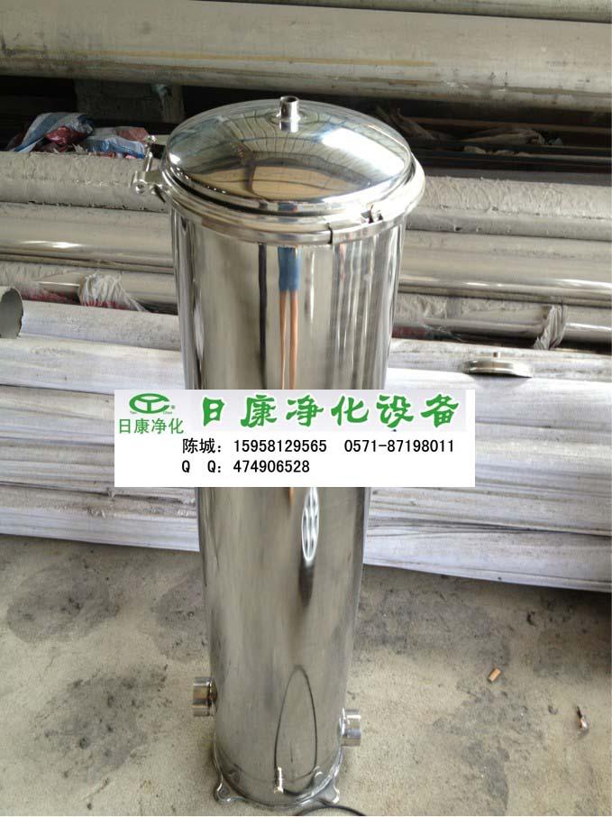 精密过滤器设备特点   1,材质及结构圆柱形壳体,304,316l不锈钢,可选
