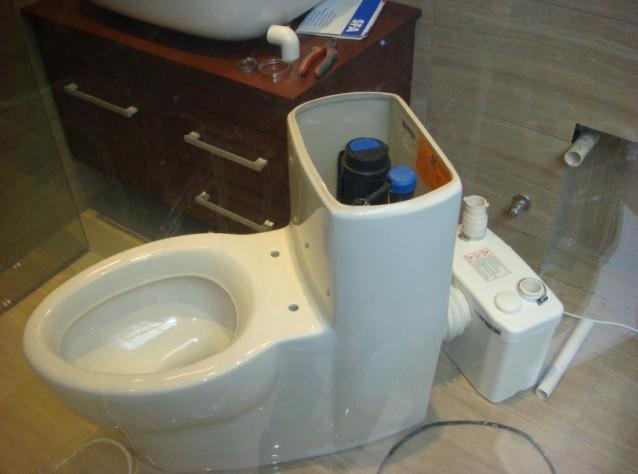 地下室马桶自动
