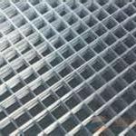 供应PVC包塑电焊网-热镀锌电焊网片用途-楼板用地暖网