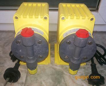 电磁驱动设计,结构更简单    米顿罗计量泵p056-398ti实拍