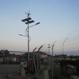 厂家直销便宜优质风光互补路灯系统