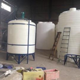 塑料复配罐5吨外加剂复配搅拌罐厂家5立方PE调和搅拌罐