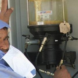 超强注油器,污水泵自动加脂器,耐高温数码智能加脂泵