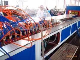 PP、PE、PVC木塑宽幅门板生产线设备