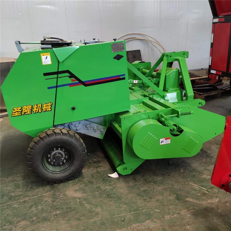 拖拉机带动秸秆粉碎拾草打捆机